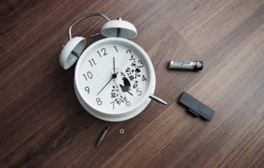 Batterie di ogni tipo, anche acustiche e Sostituzione su Orologi